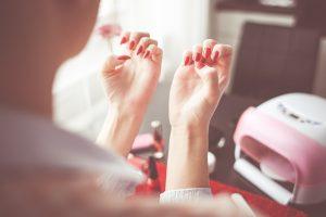zestaw startowy do paznokci dla początkujących
